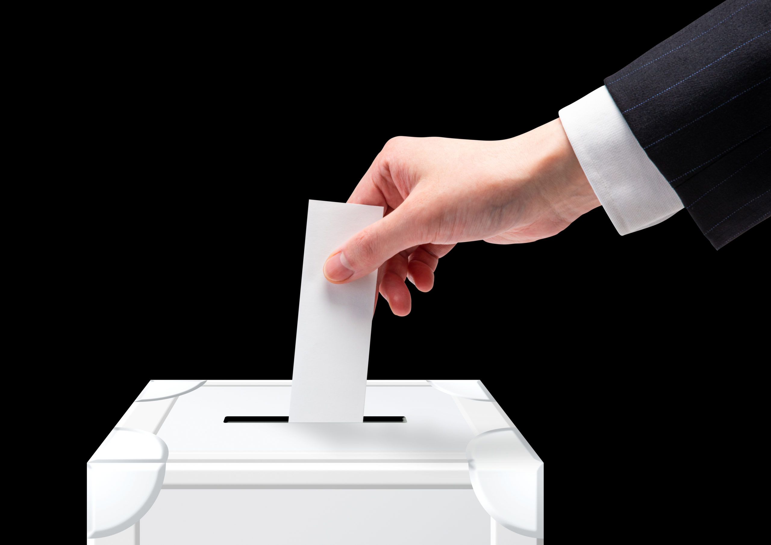 国内・海外における収入と投票率の相関関係とインターネット投票